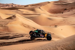 Image    No top 10 dos UTVs, brasileiros partem para o último dia do Rally Dakar 2020      Reinaldo Varela e Gustavo Gugelmin completam 11ª etapa com o Can-Am Maverick X3; Norte-americanos Casey Currie e Sean Berriman, também da Monster Energy/Can-Am/South Racing, seguem líderes da categoria  Imagem Reinaldo Varela e Gustavo Gugelmin a bordo do UTV Can-Am Maverick X3 no penúltimo dia do Rally Dakar 2020, na Arábia Saudita. Crédito: MCH Photography